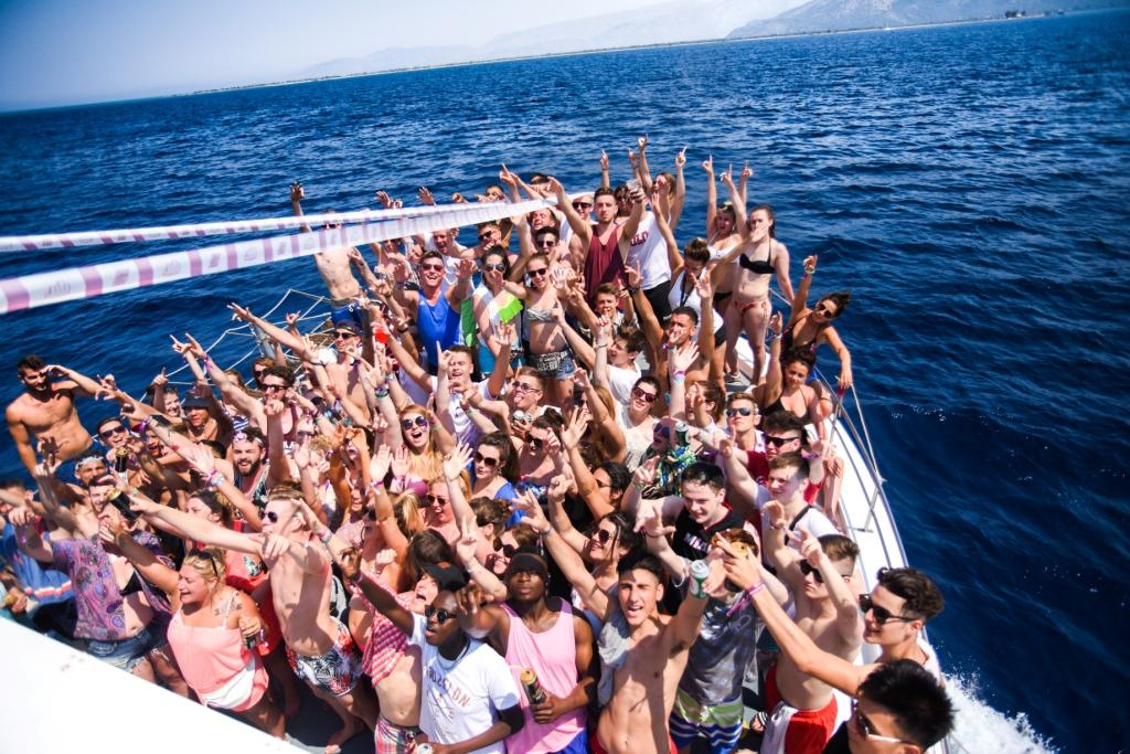 party boat 2 - Corfu Golden Travel